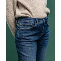 Image of Cropped Boyfriend Jeans by GANT